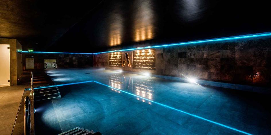 Athelis Main Pool